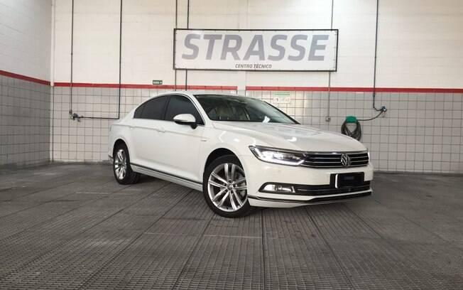 O VW Passat Oettinger da Strasse é preparado na maldade, com 300 cv de potência