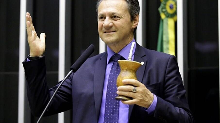 Deputado federal Giovani Cherini (PL) relacionou morte de Bruno Covas com uso de máscara