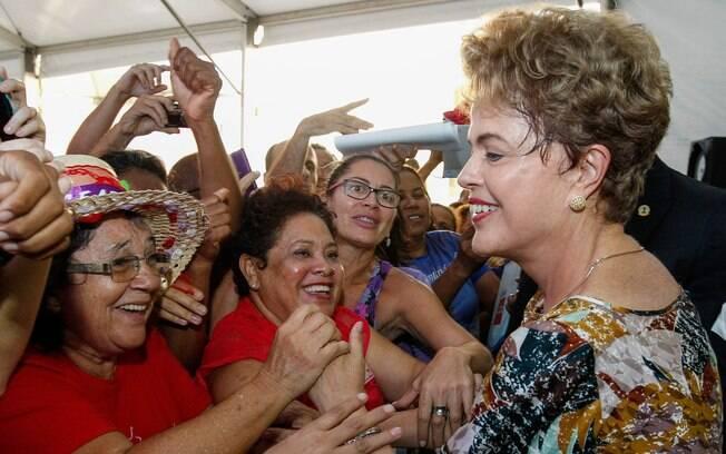 Dilma, segundo argumentos de Hélico Bicudo, jurista e fundador do PT, deve ser afastada do cargo por envolvimento no escândalo investigado pela Operação Lava Jato