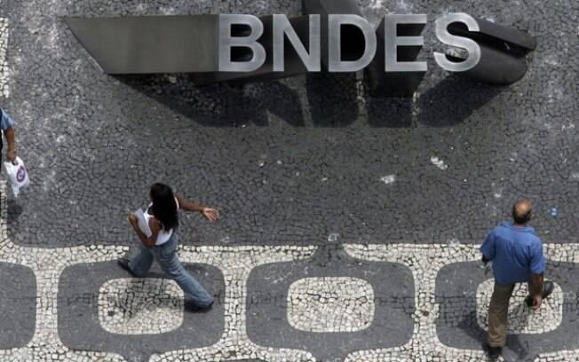 BNDES vai estudar a possibilidade de antecipar o pagamento de recursos adicionais ao Tesouro Nacional para 2018