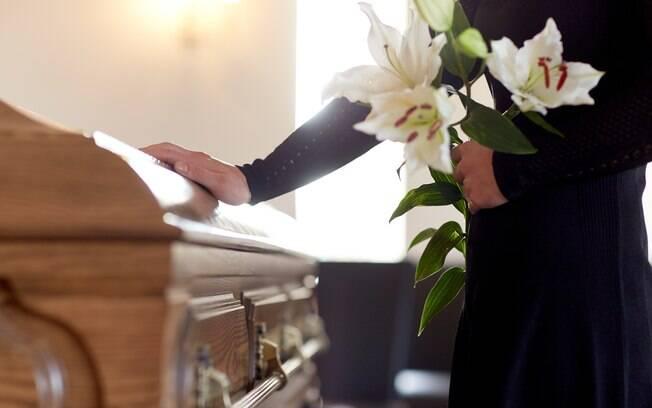 O velório sem corpo tende a causar impacto no processo de luto de familiares e amigos