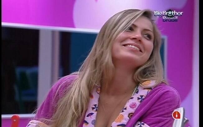 Renata reclama de João Maurício para Laisa e João Carvalho