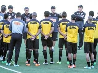 Levir conversa com todo o grupo e tenta dar novo foco e reanimar o time para sequência da temporada