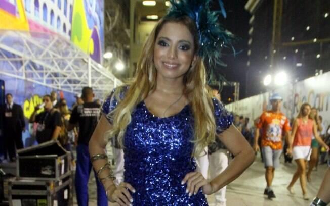 A cantora Anitta fez show em camarote de supermercado na Sapucaí, no Rio de Janeiro, na madrugada deste sábado (1º)