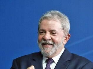 Ex-presidente Lula comanda aproximação com base aliada