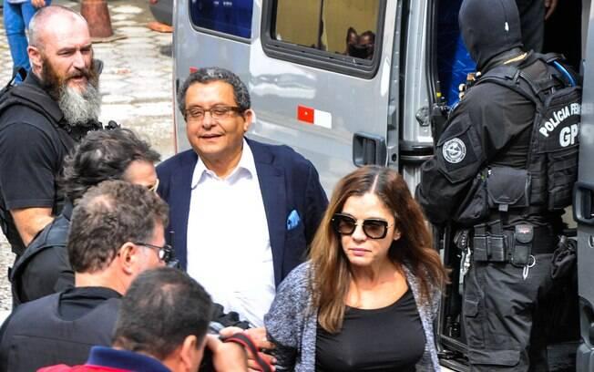 O casal João Santana e sua mulher, Mônica Moura, no momento de sua prisão em operação da PF, em fevereiro