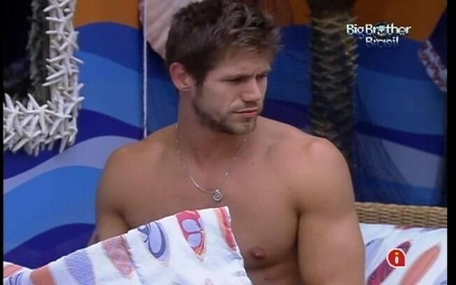 Jonas distribui beijos no Quarto Praia
