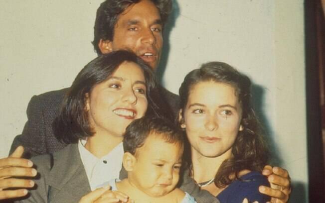 Cássia Kiss, Cláudia Abreu, Victor Fasano e o bebê: polêmica em