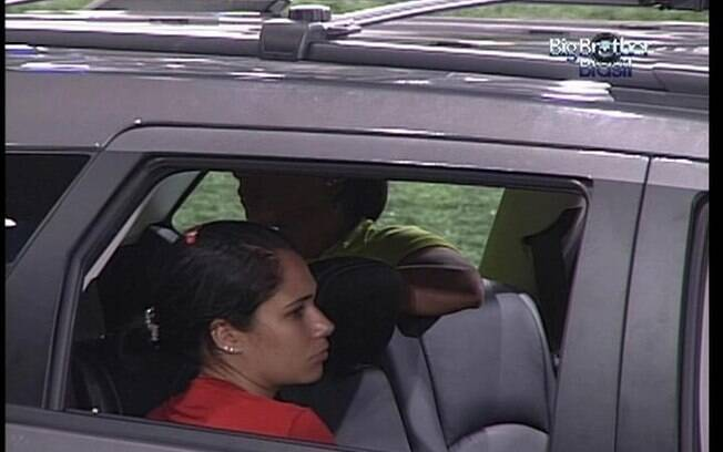 Competidoras mostram muita resistência e continuam acordadas dentro do carro
