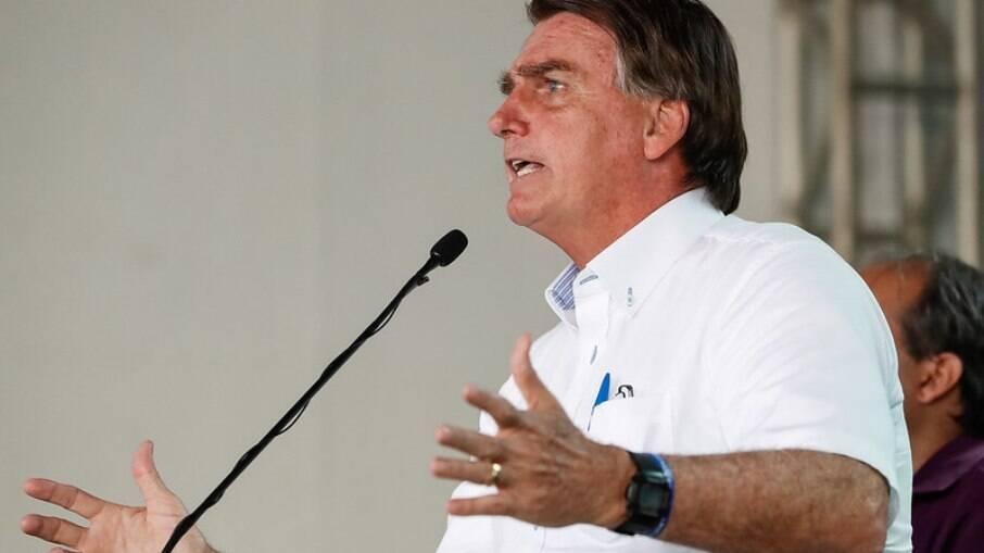Bolsonaro diz torcer para que STF mantenha decisão de abrir igrejas