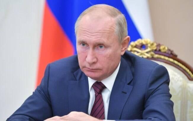 Vladimir Putin durante uma teleconferência no Kremlin em Moscou esta semana