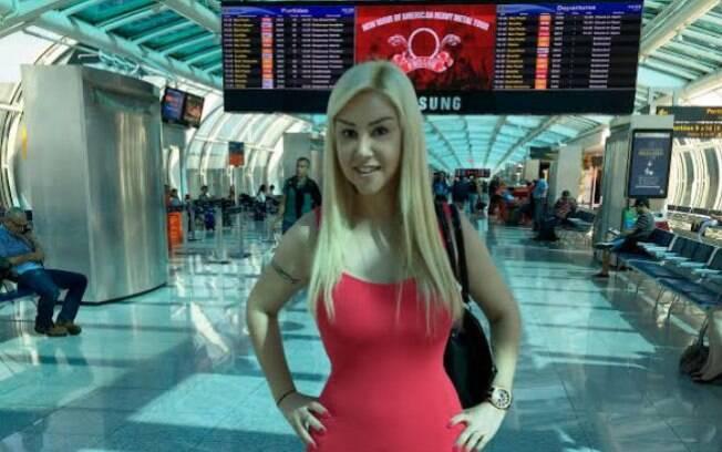 A cantora Patrícia Ribeiro no Aeroporto Santos Dumont, no Rio de Janeiro