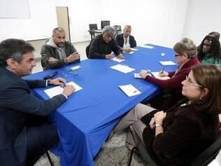 Aécio se reúne com coordenadores e partidários, no dia 29 de julho