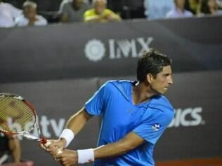 Bellucci venceu Juan Monaco por 2 sets a 1