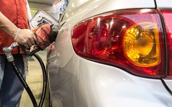 Petrobras aumenta o preço da gasolina em 6% e o do diesel em 4%