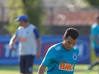 Ceará ficou fora do treino da última terça-feira na Toca da Raposa II, após ter reclamado de dores musculares