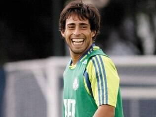 Meia chileno vai desfalcar o Palmeiras na partida contra o Joinville