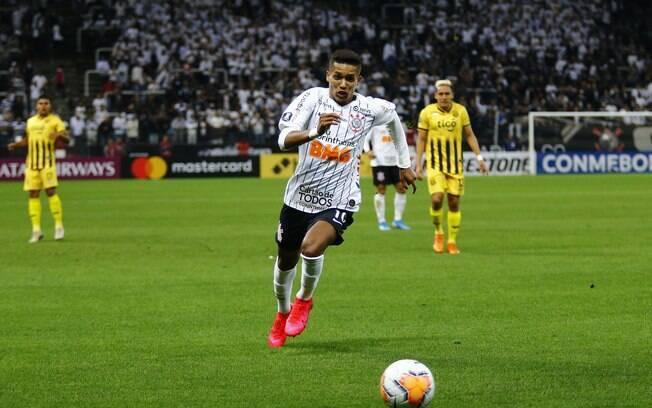 Pedrinho durante Corinthians x Guaraní-PAR