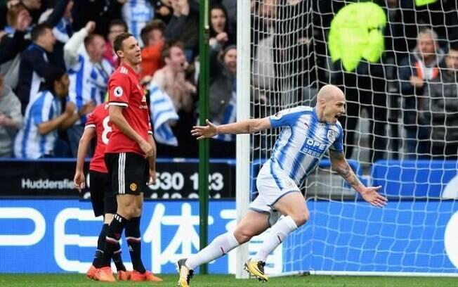 Aaron Mooy recebeu bonificação de torcedor após gol diante do Manchester United