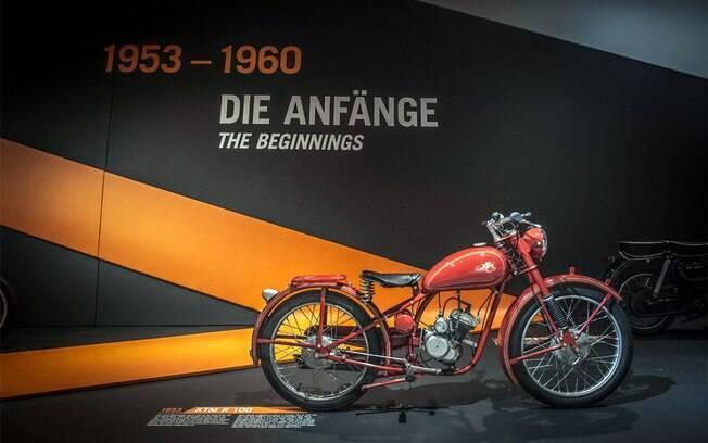 Museu da KTM é famoso por reunir um acervo de modelos e itens que compõem a tradição da marca austríaca
