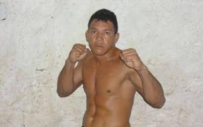 Adriano Mamute, lutador de MMA