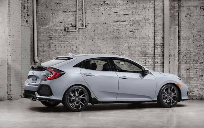 Com vendas dos hatches médios em baixa e representando apenas 2,34% dos emplacamentos no Brasil, o Honda Civic hatchback deve ficar bem longe do país.