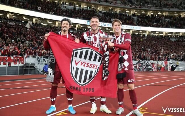 Podolski foi titular no Vissel Kobe