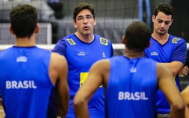 Giovane Gávio é o treinador da seleção sub 21 de vôlei masculino