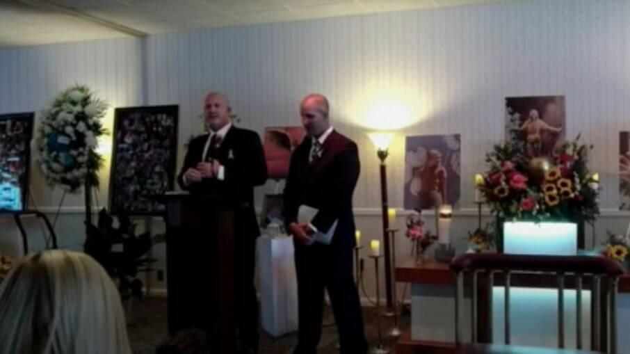 Joe Petito e Jim Schmidt, pai e padrasto de Gabby Petito