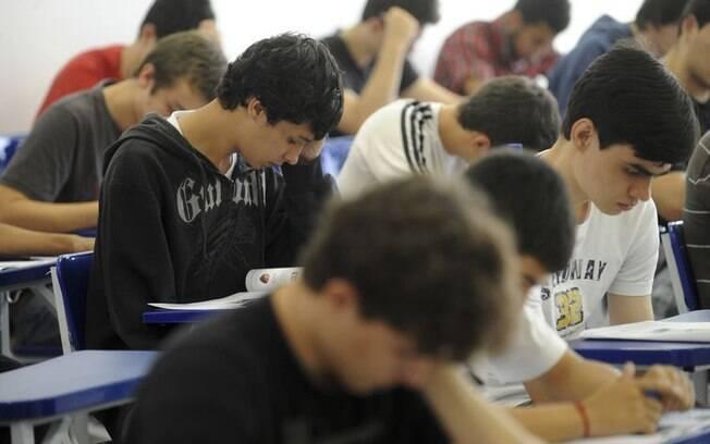 As escolas terão de 5 a 25 de novembro para aderir ao novo ensino médio