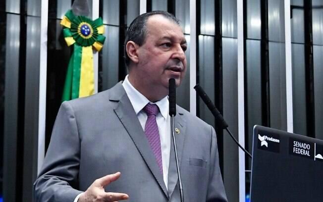 Omar Aziz (PSD-AM) faz parte do bloco de independentes entre os titulares da CPI