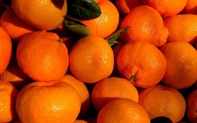 Bergamota: fruta doce e cítrica, típica do inverno