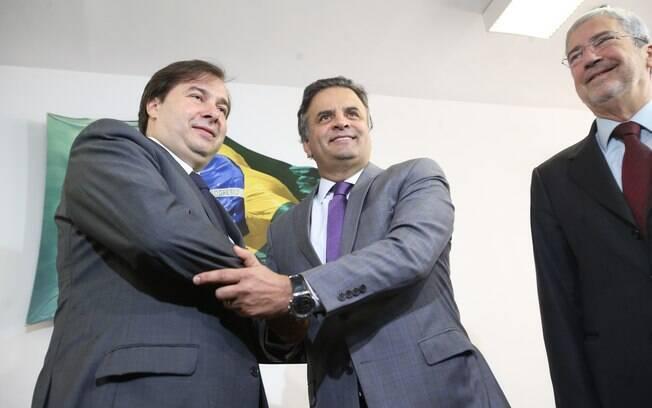 Rodrigo Maia com o senador Aécio Neves: apoio do PSDB foi fundamental para o deputado ser eleito presidente da Câmara