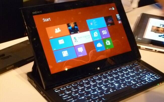 Windows 8 foi onipresente na CES 2013 em híbridos de notebook e tablet, ultrabooks e desktops tudo-em-um