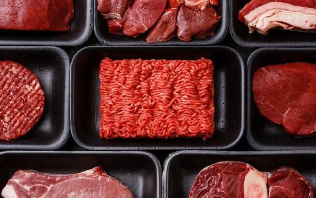 Entre os investigados pela PF na Operação Carne Fraca, 63 pessoas foram indiciadas por terem cometido diversos crimes