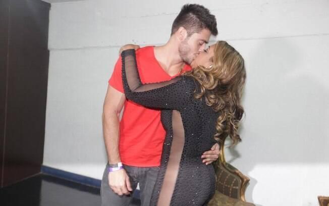 Supersexy, Preta Gil beija o noivo, Rodrigo Godoy