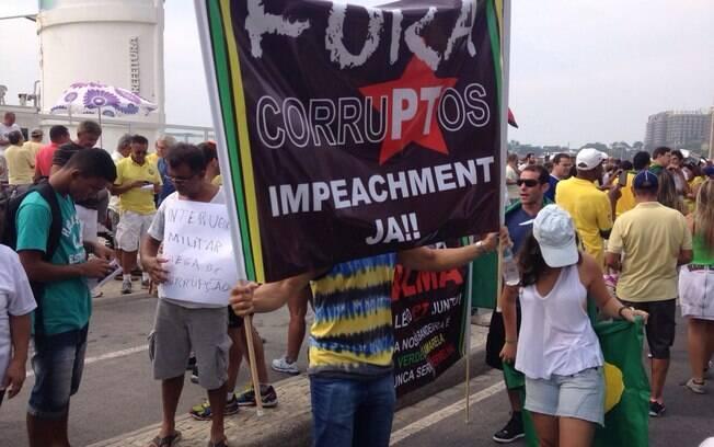 Rio de Janeiro também se mobilizou nesta manhã de domingo (15) para protestar contra o governo e cobrar o impeachment de Dilma Rousseff. Foto: Nina Ramos/iG Rio