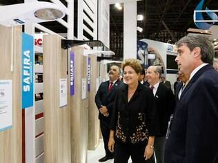 Presidente Dilma durante visita à 21ª edição do Salão Internacional da Construção