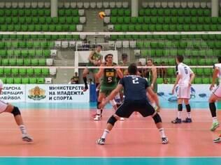 Oposto Leandro Vissotto começou a partida como titular