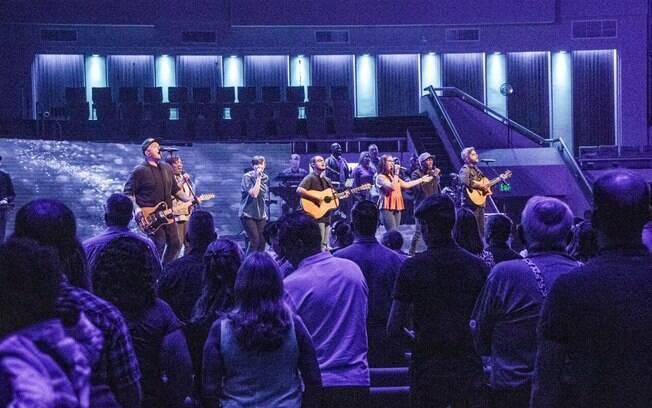 Igrejas norte-americanas, como a First Baptist Church, seguem regras rigorosas para a contratação de músicos