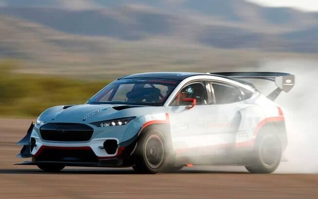 O Ford Mustang Mach-E, com 1.400 cv, servirá de base para o modelo esportivo GTE dessa linha de carros elétricos da Ford