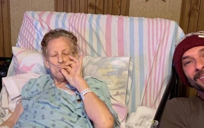 Neto conta que fumou maconha com a avó horas antes dela falecer