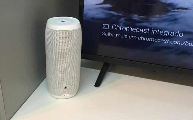 A  caixa de som da JBL, Link 20, usada na cozinha durante o evento realizado pelo Google na Casa Conectada, custa R$ 1.499