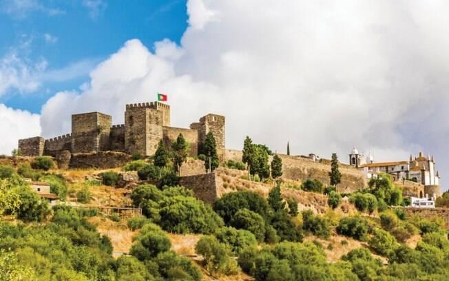 Castelo de Reguengos de Monsaraz, em Alentejo, está entre as atrações turísticas