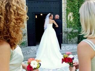 Qual solteira nunca sentiu uma invejinha da noiva?
