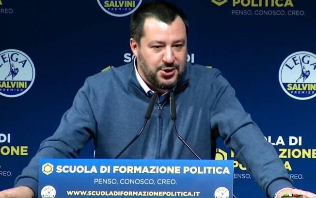 Ministro italiano Matteo Salvini é acusado de desviar recursos partidários