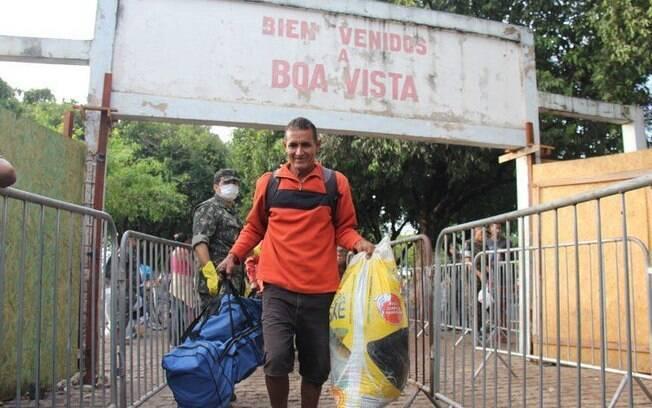 A fronteira do Brasil havia sido fechada, às 17h de ontem, mas foi reaberta na manhã desta terça-feira