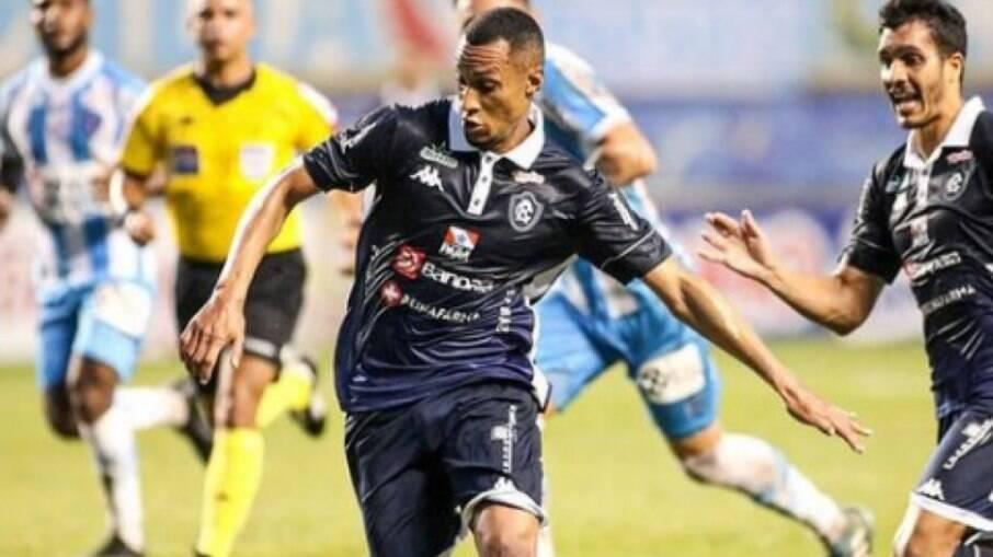 Paysandu venceu o Madureira com gol de Denilson