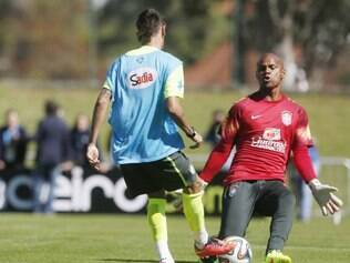 Atacante Neymar fez o segundo gol, ao tocar por debaixo das pernas do goleiro Jefferson