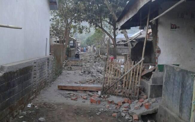 Terremoto na ilha de Lombok, na Indonésia, no dia 25 de julho, deixou mais de 16 mortos